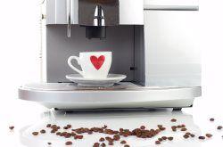 Kaffeevollautomat mit Milchbehaelter